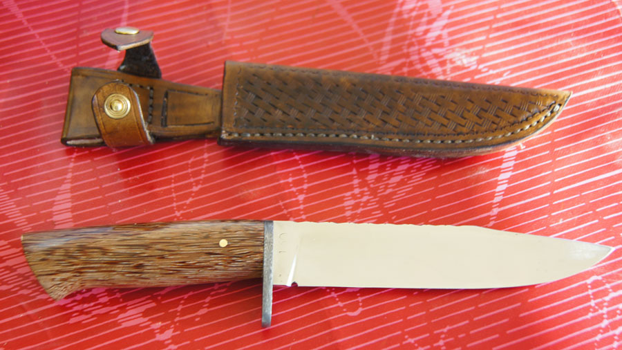 Couteaux chasse manche palmier noir